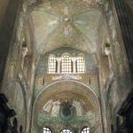 640px-San_Vitale_in_Ravenna_07