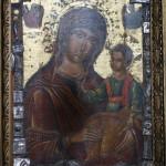 Икона Божией Матери в греческом храме